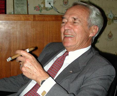 Davidoff-Gründer Ernst Schneider ist tot - csm_picSchneiderErnstlacht468rs_a6f16b9fa7